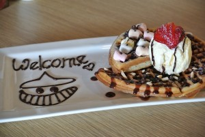Waffles with 3 toppings (RM14.90) – Marshmallows, Chocolate Chip and Strawberries
