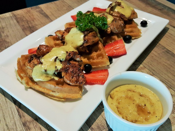 Classic Waffle with Grilled Chicken