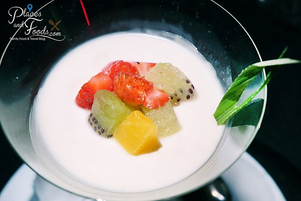 Fruits Panna Cotta - The Roof
