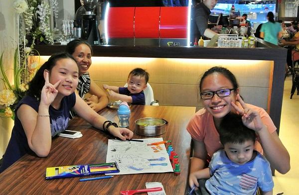 Kids at Iggo Cafe
