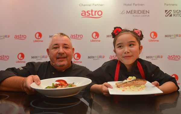 MAN VS CHILD - Press Launch_Chef Antoine Rodriguez, Executive Chef of Le Meridien Kuala Lumpur (left) and Chef Estie Kung from MAN VS CHILD CHEF SHOWDOWN