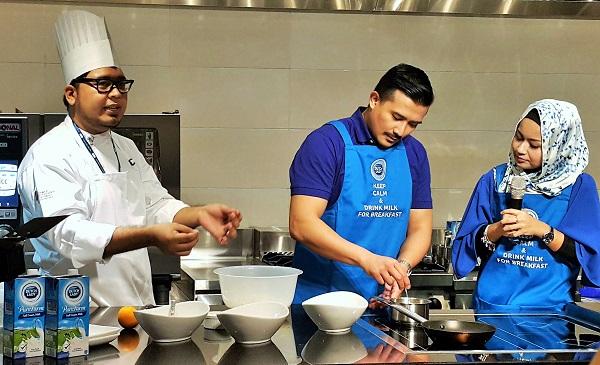 Cooking Demo by Actor Aaron Aziz & Wife Diyana Halik - Dutch Lady PureFarm Milk Morning