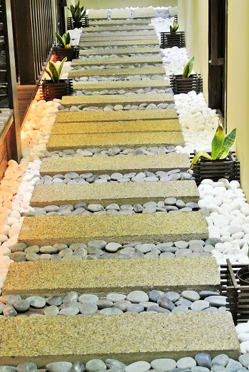 walkway - Herbaline. Sojourn Guest House