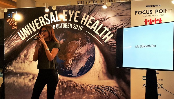 Music and social media sensation, Elizabeth Tan graced the event to share her personal experience and thoughts about vision care.