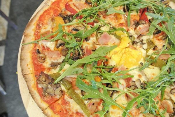 Pizza Famiglia - RM 59