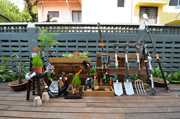 fiskars-gardening-tools-help-those-with-green-thumbs-maintain-and-beautify-their-gardens
