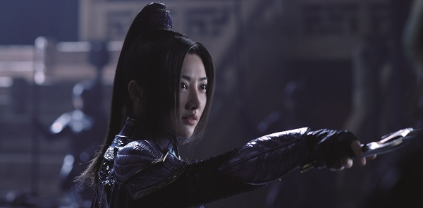 Commander Lin (Jing Tian) who speaks & understand English serves as translator for William and her battalion