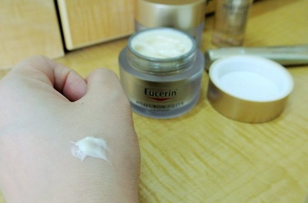 Review Moisturized And Radiant Skin Using Eucerin Hyaluron Filler
