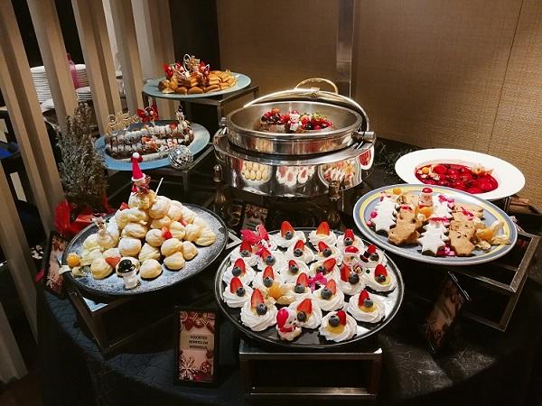 PJ Hilton Christmas Dinner 4 (2)