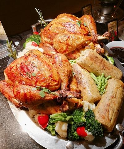 PJ Hilton Christmas Dinner 8